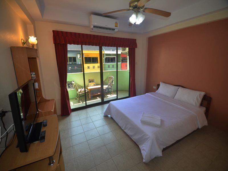 Billabong Hotel and Bar