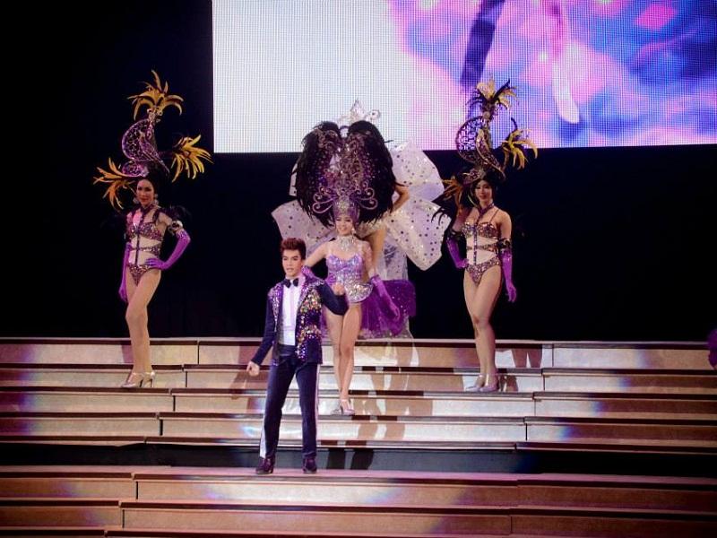 Cabaret Colosseum Show Delux