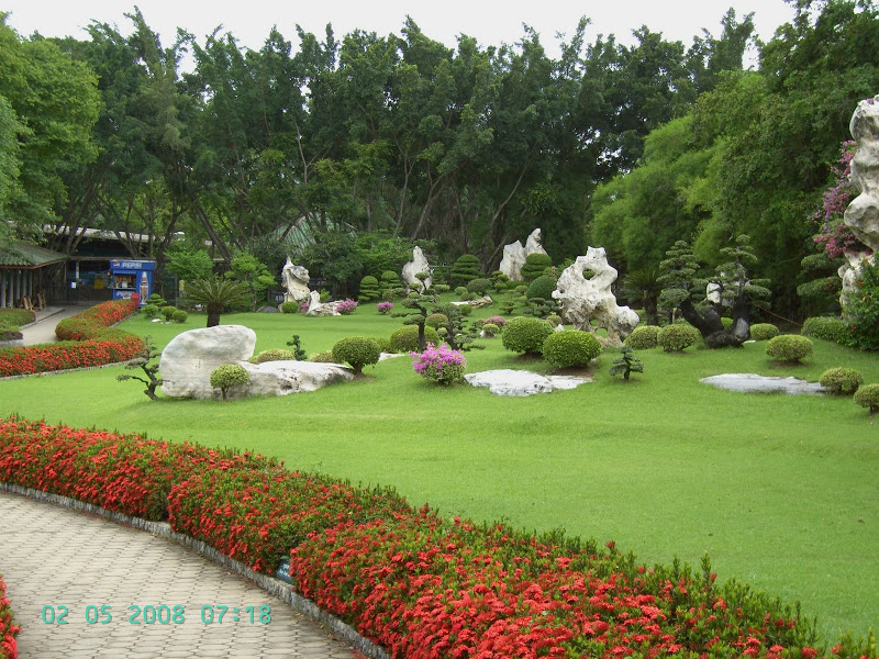 The Million Years Stone & Crocodile Farm