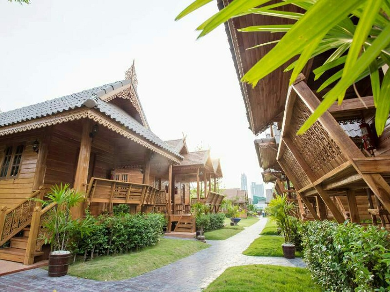 TRADITIONAL THAI MASSAGE (90 MINS)